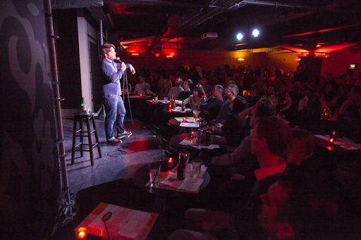 What To And What Not To Wear To Comedy Shows in Philadelphia